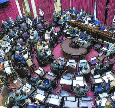 Los gobernadores juegan sus fichas políticas en el debate por Ganancias