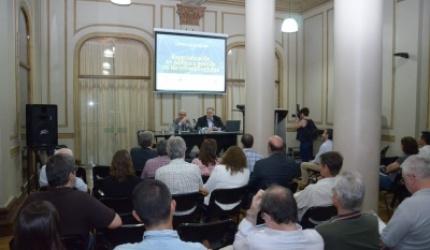 Se presentó la Especialización en Política y Gestión de las Infraestructuras de la UNR